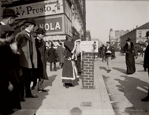 Santa Claus on Broadway, 1903, Detroit Publishing Co.