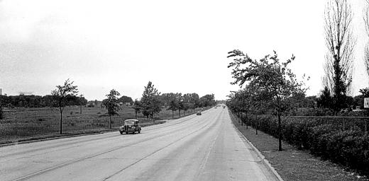 Skokie Blvd at Dempster. 1943